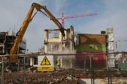 28 Feb 2014: 9.37am - demolition of the adjacent building